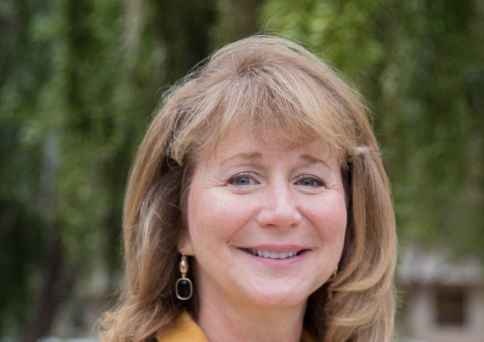 Jennifer Sinclair Curtis Receives ASEE's 2018 CACHE Award