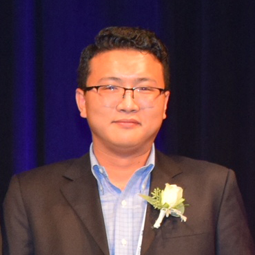 Yang Receives The American Vacuum Society Graduate Research Award